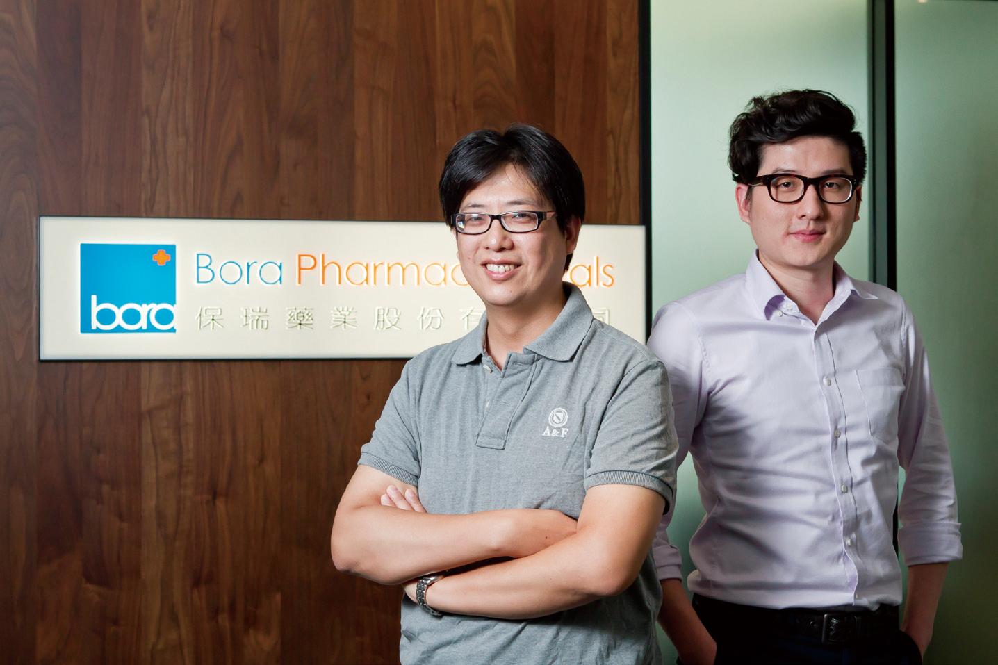 保瑞藥業資訊部經理吳柏松(左)與資訊部技術副理徐鳳翔。
